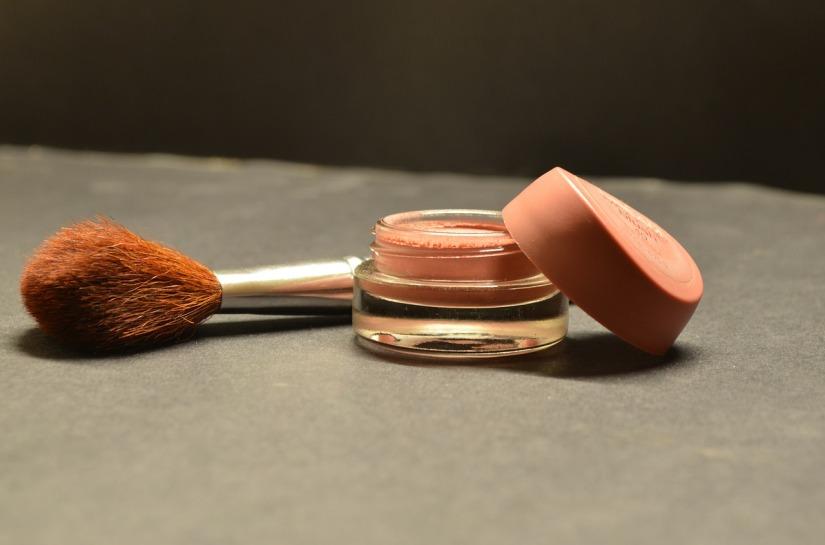 cosmetics-166774_1280